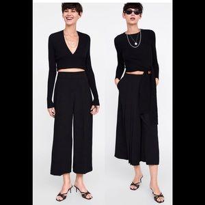 🔥Just In🔥 NWOT🔥 Zara Black faux Suede crop pant